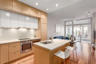 """Photo 2: 303 1205 HOWE Street in Vancouver: Downtown VW Condo for sale in """"Alto"""" (Vancouver West)  : MLS®# R2159218"""