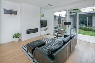 Photo 5: 1315 LAKEWOOD Drive in Vancouver: Grandview VE House for sale (Vancouver East)  : MLS®# R2173429