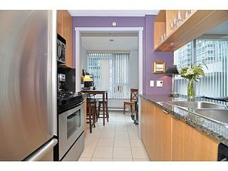 Photo 2: 308 1010 RICHARDS Street in The Gallery: Condo for sale : MLS®# V986408
