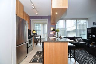 Photo 13: 308 1010 RICHARDS Street in The Gallery: Condo for sale : MLS®# V986408