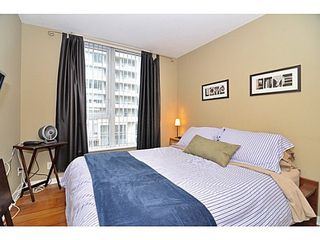 Photo 5: 308 1010 RICHARDS Street in The Gallery: Condo for sale : MLS®# V986408