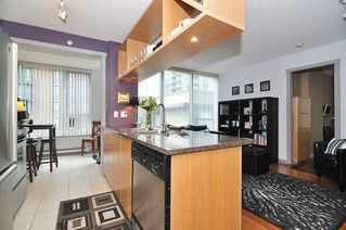 Photo 14: 308 1010 RICHARDS Street in The Gallery: Condo for sale : MLS®# V986408