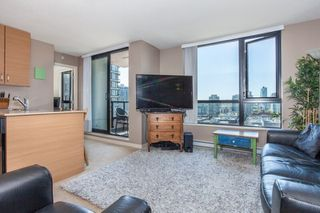 "Photo 3: 1509 928 HOMER Street in Vancouver: Yaletown Condo for sale in ""YALETOWN PARK 1"" (Vancouver West)  : MLS®# R2184142"