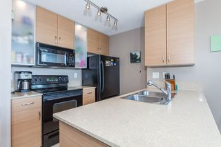 "Photo 6: 1509 928 HOMER Street in Vancouver: Yaletown Condo for sale in ""YALETOWN PARK 1"" (Vancouver West)  : MLS®# R2184142"