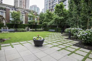 "Photo 14: 1509 928 HOMER Street in Vancouver: Yaletown Condo for sale in ""YALETOWN PARK 1"" (Vancouver West)  : MLS®# R2184142"
