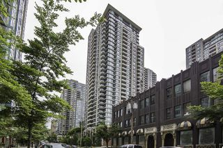 "Photo 1: 1509 928 HOMER Street in Vancouver: Yaletown Condo for sale in ""YALETOWN PARK 1"" (Vancouver West)  : MLS®# R2184142"