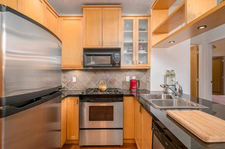 "Photo 11: 218 2515 ONTARIO Street in Vancouver: Mount Pleasant VW Condo for sale in ""ELEMENTS"" (Vancouver West)  : MLS®# R2200404"