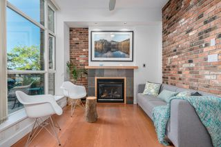 """Photo 6: 218 2515 ONTARIO Street in Vancouver: Mount Pleasant VW Condo for sale in """"ELEMENTS"""" (Vancouver West)  : MLS®# R2200404"""