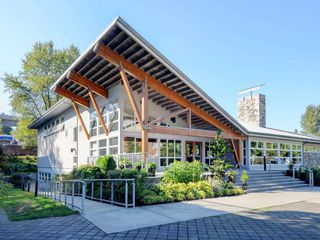 "Photo 15: 104 701 KLAHANIE Drive in Port Moody: Port Moody Centre Condo for sale in ""Nahanni"" : MLS®# R2209103"
