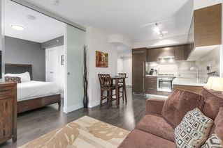 """Photo 1: 806 535 SMITHE Street in Vancouver: Downtown VW Condo for sale in """"DOLCE"""" (Vancouver West)  : MLS®# R2213728"""