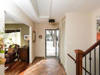 Photo 9: 2404 PALLISER Drive SW in Calgary: Palliser House for sale : MLS®# C4162437