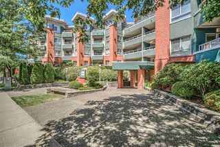 "Photo 13: 403 128 W 8TH Street in North Vancouver: Central Lonsdale Condo for sale in ""The Library"" : MLS®# R2241470"