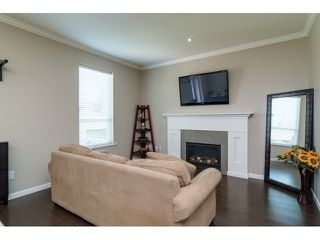 Photo 8: 6854 208 STREET in Willoughby Heights: Home for sale : MLS®# R2053124