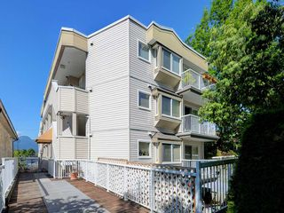Photo 1: 302 2295 PANDORA STREET in Vancouver: Hastings Condo for sale (Vancouver East)  : MLS®# R2252393