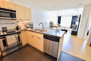 """Photo 4: 405 33538 MARSHALL Road in Abbotsford: Central Abbotsford Condo for sale in """"The Crossing"""" : MLS®# R2273318"""