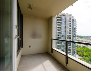 "Photo 12: 1205 4182 DAWSON Street in Burnaby: Brentwood Park Condo for sale in ""TANDEM 3"" (Burnaby North)  : MLS®# R2285910"