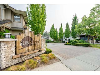 "Photo 2: 45 19250 65 Avenue in Surrey: Clayton Townhouse for sale in ""SUNBERRY COURT"" (Cloverdale)  : MLS®# R2297371"