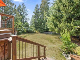 "Photo 17: 5221 RADCLIFFE Road in Sechelt: Sechelt District House for sale in ""SELMA PARK"" (Sunshine Coast)  : MLS®# R2300713"