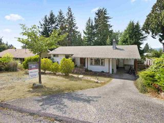 "Photo 20: 5221 RADCLIFFE Road in Sechelt: Sechelt District House for sale in ""SELMA PARK"" (Sunshine Coast)  : MLS®# R2300713"