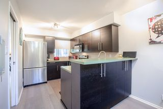 "Photo 8: 3412 WEYMOOR Place in Vancouver: Champlain Heights Townhouse for sale in ""MOORPARK"" (Vancouver East)  : MLS®# R2315321"