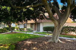 Photo 1: CARLSBAD WEST Townhome for sale : 3 bedrooms : 2502 Via Astuto in Carlsbad