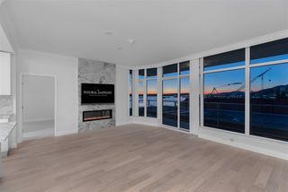 Photo 4: 707 175 VICTORY SHIP Way in North Vancouver: Lower Lonsdale Condo for sale : MLS®# R2342959