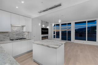 Photo 2: 707 175 VICTORY SHIP Way in North Vancouver: Lower Lonsdale Condo for sale : MLS®# R2342959