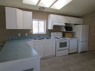 """Photo 8: 19587 LESAGE Road: Hudsons Hope Manufactured Home for sale in """"Lynx Creek Subdivision"""" (Fort St. John (Zone 60))  : MLS®# R2353928"""