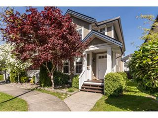 "Photo 1: 6968 179A Street in Surrey: Cloverdale BC Condo for sale in ""The Terraces"" (Cloverdale)  : MLS®# R2364563"