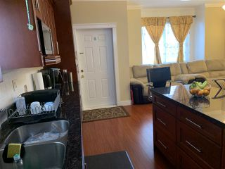 Photo 6: 6650 121 Street in Surrey: West Newton Condo for sale : MLS®# R2371954