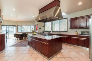 "Photo 6: 3381 CLARIDGE Court in Burnaby: Government Road House for sale in ""WOOD"" (Burnaby North)  : MLS®# R2374834"
