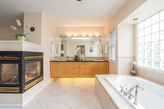 Photo 9: 16353 28 Avenue in Surrey: Grandview Surrey House for sale (South Surrey White Rock)  : MLS®# R2375201