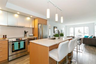 "Main Photo: 201 221 E 3RD Street in North Vancouver: Lower Lonsdale Condo for sale in ""Orizon"" : MLS®# R2378438"