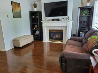 """Photo 6: 105 15258 105 Avenue in Surrey: Guildford Townhouse for sale in """"GEORGIAN GARDENS"""" (North Surrey)  : MLS®# R2480885"""