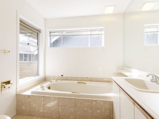 """Photo 25: 639 W 27TH Avenue in Vancouver: Cambie Townhouse for sale in """"GRACE ESTATES"""" (Vancouver West)  : MLS®# R2503796"""