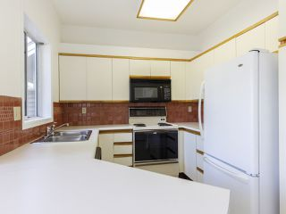 """Photo 16: 639 W 27TH Avenue in Vancouver: Cambie Townhouse for sale in """"GRACE ESTATES"""" (Vancouver West)  : MLS®# R2503796"""