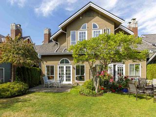"""Photo 2: 639 W 27TH Avenue in Vancouver: Cambie Townhouse for sale in """"GRACE ESTATES"""" (Vancouver West)  : MLS®# R2503796"""