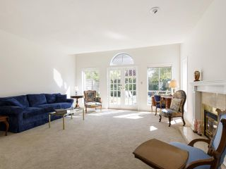"""Photo 6: 639 W 27TH Avenue in Vancouver: Cambie Townhouse for sale in """"GRACE ESTATES"""" (Vancouver West)  : MLS®# R2503796"""
