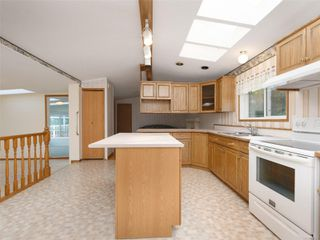 Photo 8: 5 7109 West Coast Rd in : Sk Whiffin Spit Manufactured Home for sale (Sooke)  : MLS®# 859571