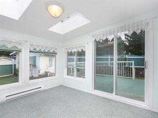 Photo 6: 5 7109 West Coast Rd in : Sk Whiffin Spit Manufactured Home for sale (Sooke)  : MLS®# 859571