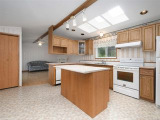 Photo 9: 5 7109 West Coast Rd in : Sk Whiffin Spit Manufactured Home for sale (Sooke)  : MLS®# 859571