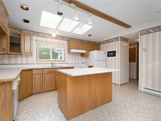 Photo 7: 5 7109 West Coast Rd in : Sk Whiffin Spit Manufactured Home for sale (Sooke)  : MLS®# 859571