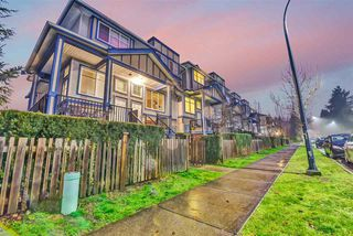 """Photo 2: 55 13899 LAUREL Drive in Surrey: Whalley Townhouse for sale in """"Emerald Gardens"""" (North Surrey)  : MLS®# R2527364"""