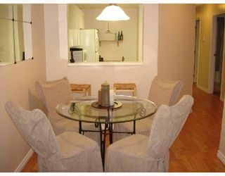 Photo 3: 107 509 CARNARVON Street in New Westminster: Downtown NW Condo for sale : MLS®# V667879