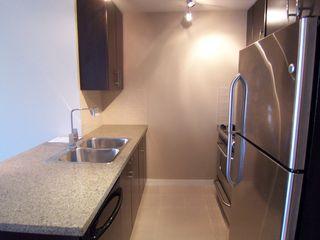Photo 9: 907 651 Nootka Street in Port Moody: Condo for sale : MLS®# V986262