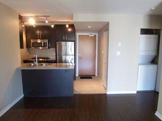 Photo 7: 907 651 Nootka Street in Port Moody: Condo for sale : MLS®# V986262