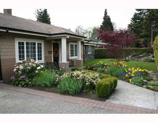 Main Photo: 1541 Ross Rd in North Vancouver: Lynn Valley House  : MLS®# v761592