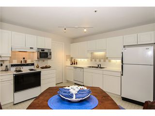 "Photo 10: 207 5419 201A Street in Langley: Langley City Condo for sale in ""Vista Gardens"" : MLS®# F1401974"
