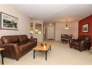 "Photo 7: 207 5419 201A Street in Langley: Langley City Condo for sale in ""Vista Gardens"" : MLS®# F1401974"