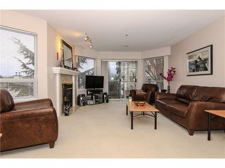 "Photo 4: 207 5419 201A Street in Langley: Langley City Condo for sale in ""Vista Gardens"" : MLS®# F1401974"
